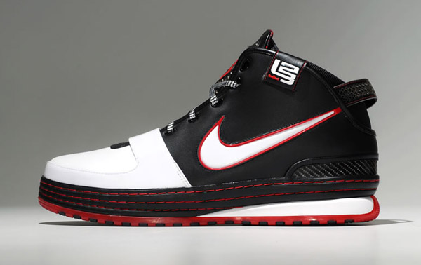 nike-zoom-lebron-vi-released-3