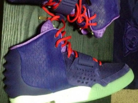 air-yeezy-2-purple-3