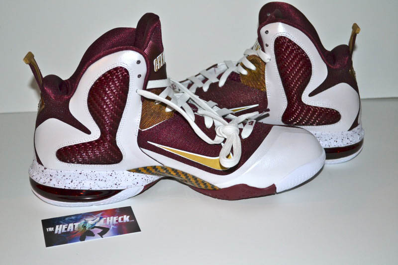 nike-lebron-9-christ-the-king-home-04