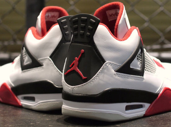 air-jordan-iv-white-varsity-red-black-detailed-images-8