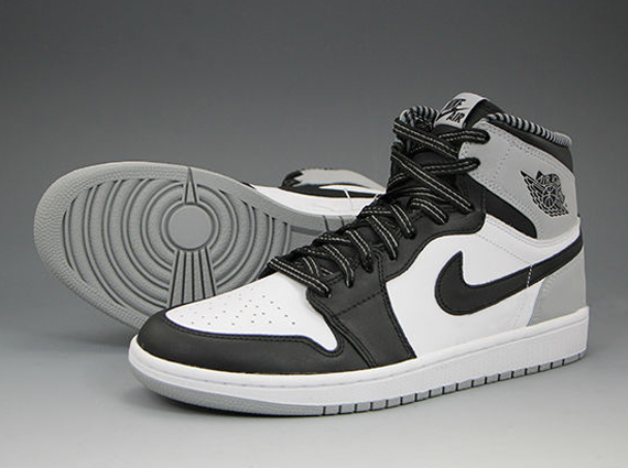 Air Jordan 1 OG Barons Side Sole a9e0bec47c32