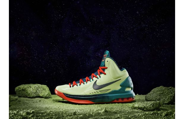 low priced 812b0 6418d Complete History of the Nike KD V   Kicksologists.com