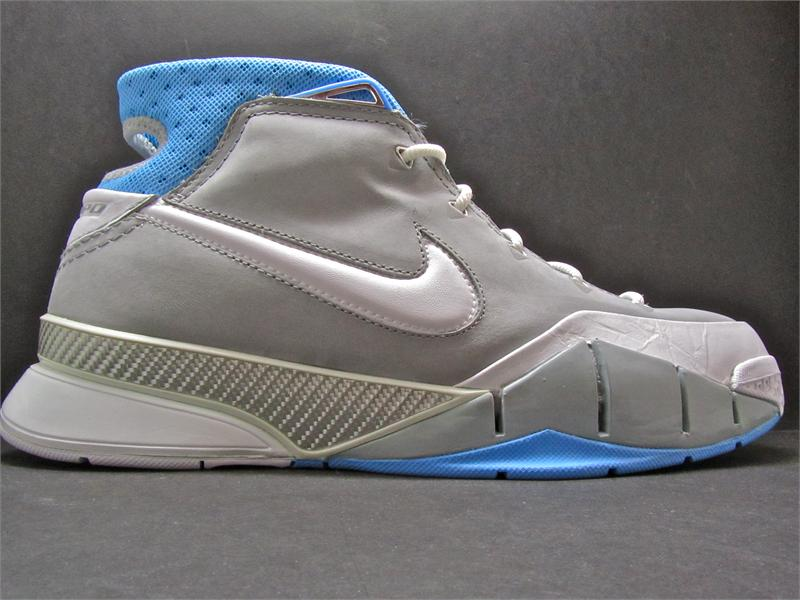 detailed pictures 946ed 6f694 ... Shoe History. Nike Zoom Kobe 1 MPLS Side