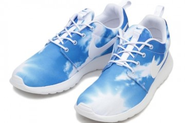 nike-roshe-run-blue-sky-top-view
