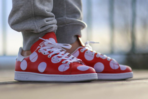 Adidas Originals Pharrell Polka Dot Stan Smith Red Front Angle