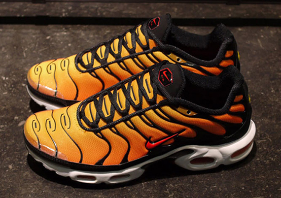nike-air-max-plus-orange-yellow-2013-1