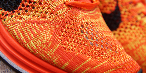 nike-flyknit-racer-orange-volt-01