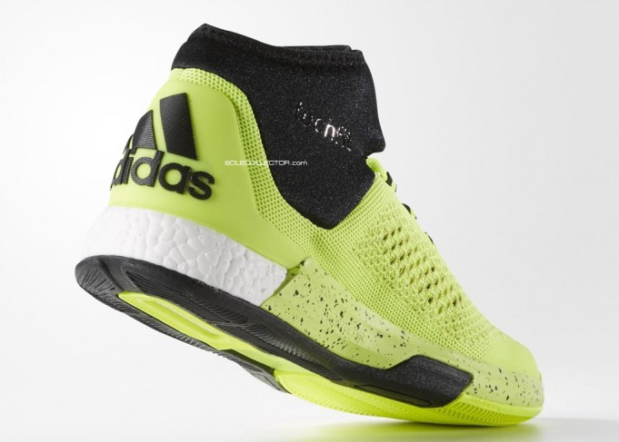 brand new 548ca 06bd8 adidas Crazylight Boost 2015 Mid  First Look  Kicksologists.