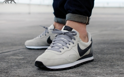 nike-air-pegasus-83---beige-black