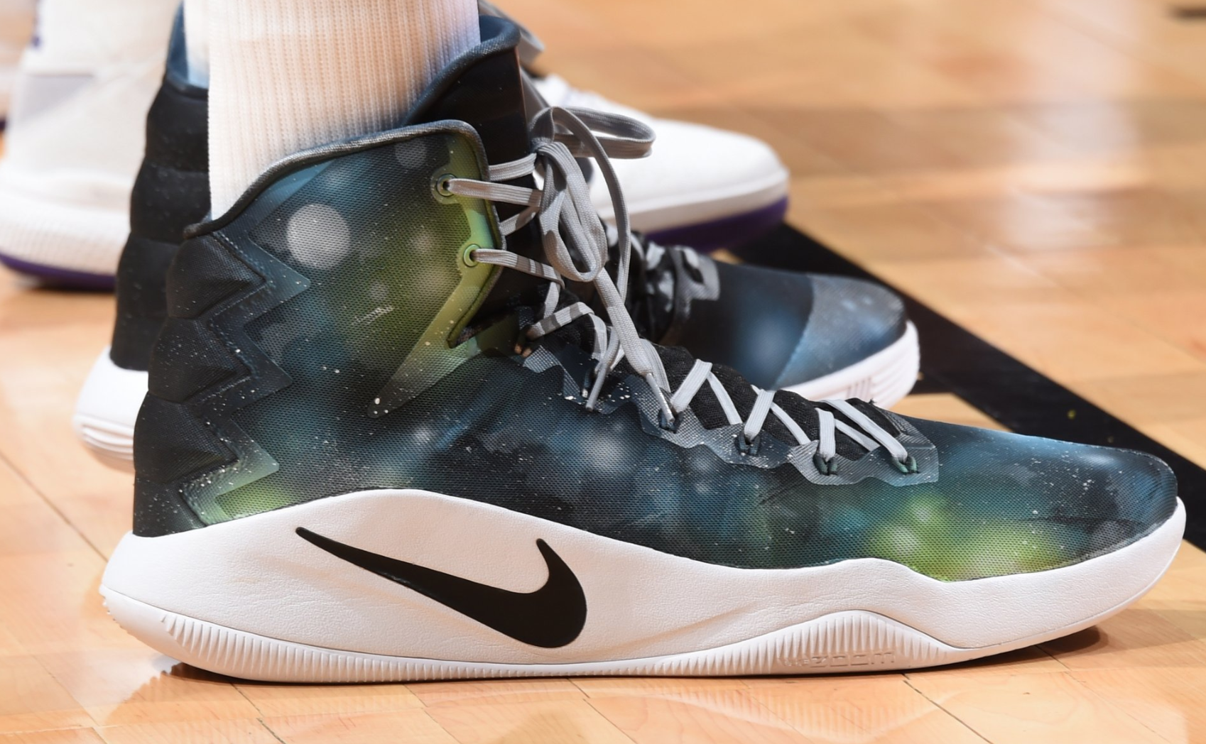 7073953c72e3 Let s take a have a look at what the players laced up for today s basketball  opener. Karl Anthony Towns in a custom Nike Hyperdunk ...