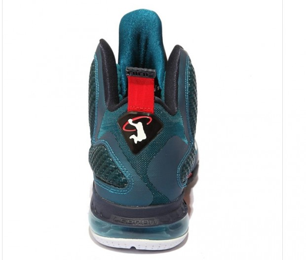 newest d3393 19376 King James looks to pay tribute to Ken Griffey Jr. with Nike ...