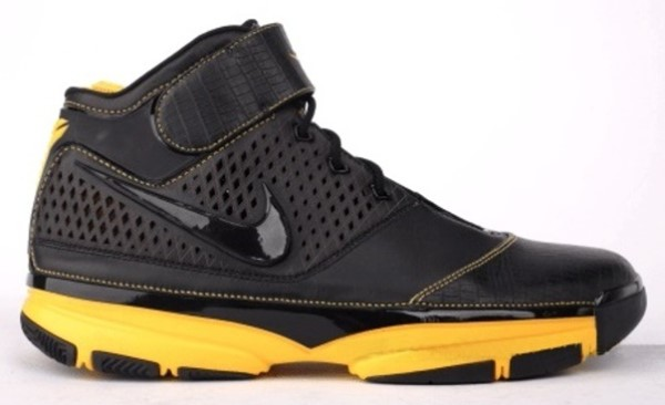 newest 9490d 2f04d Nike Zoom Kobe II