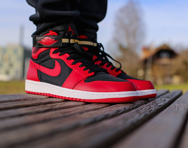 Air Jordan 1 Retro High Strap Black:Gym Red-White